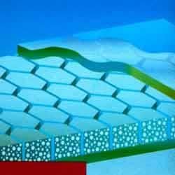 Нетканый полиэфирный материал Soric ® LRC, 2 мм. / Non-woven honeycomb liner Soric ® LRC, 2 mm