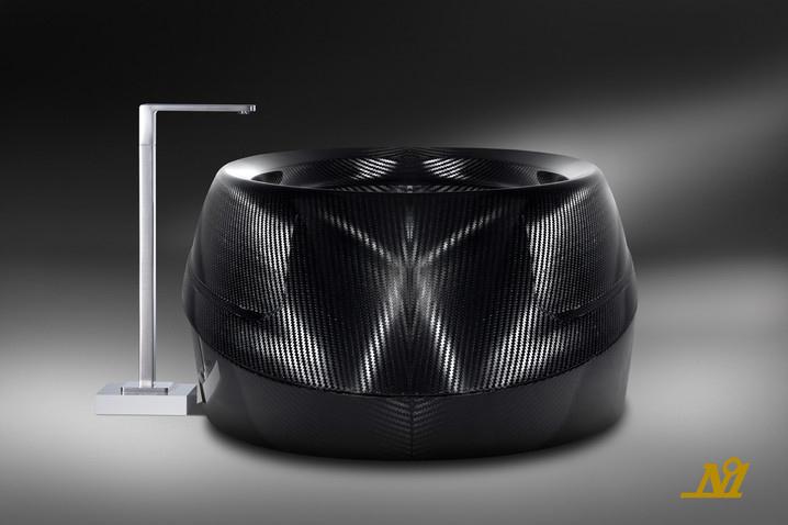 Новое направление моды и дизайна: карбоновые аксессуары.