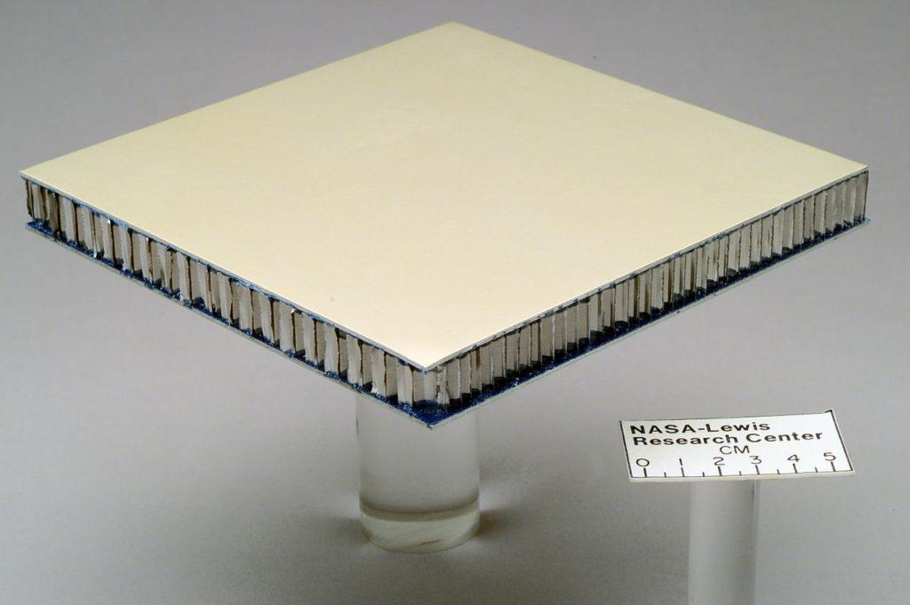 Алюминиевые соты 56 кг / м³